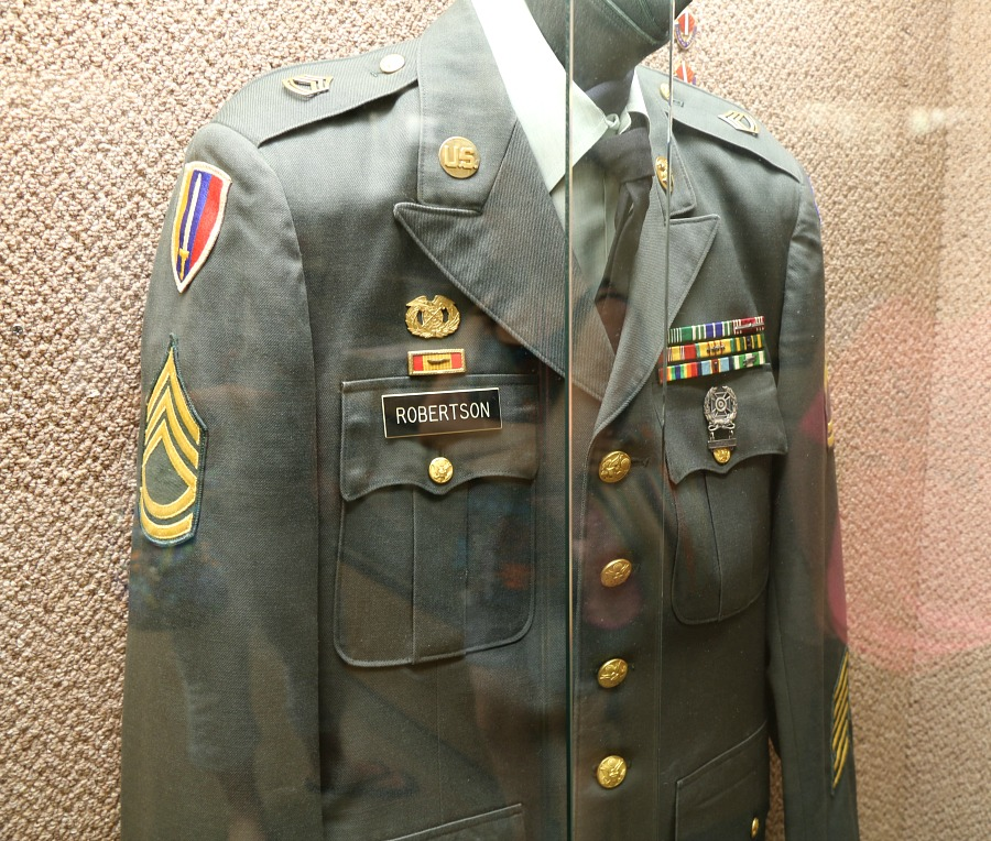 Uncle Si military uniform