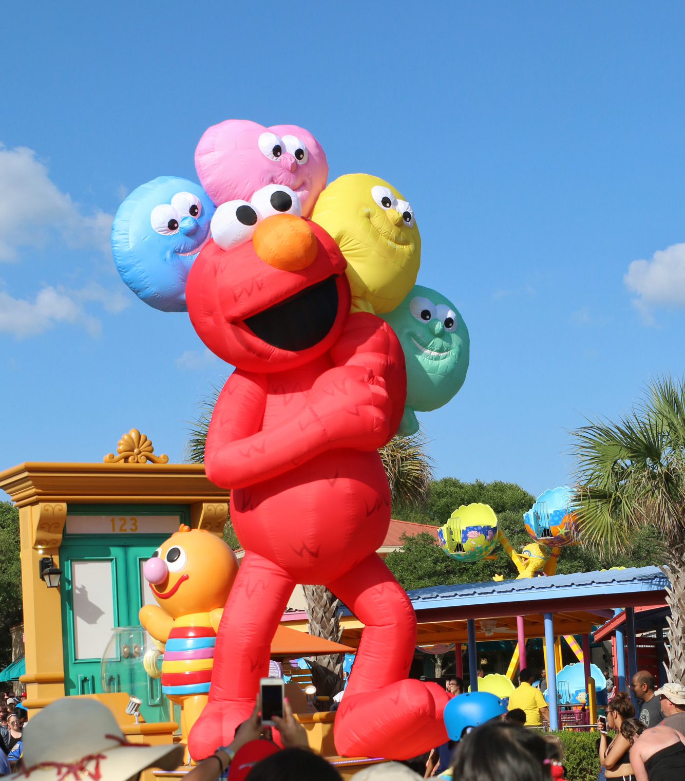 Blow up Elmo float